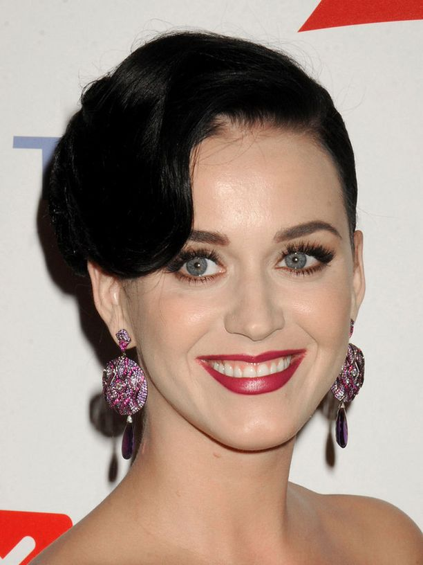 Katy Perryn kappale sai ristiriitaisen vastaanoton. Virallisesti kappale julkaistaan kuitenkin vasta tänään.