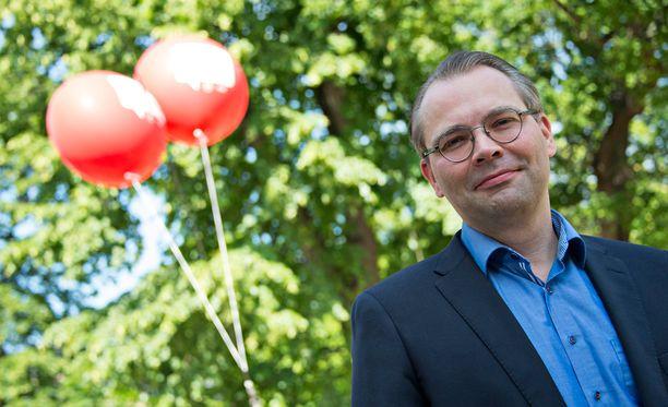 Puolustusministeri Jussi Niinistön mukaan Ahvenanmaahan on kiinnitetty Suomessa liian vähän huomiota.