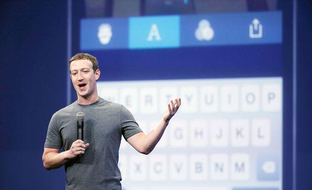 Facebookin toimitusjohtaja Mark Zuckerberg puhumassa Messenger-sovelluksesta maaliskuussa 2015.