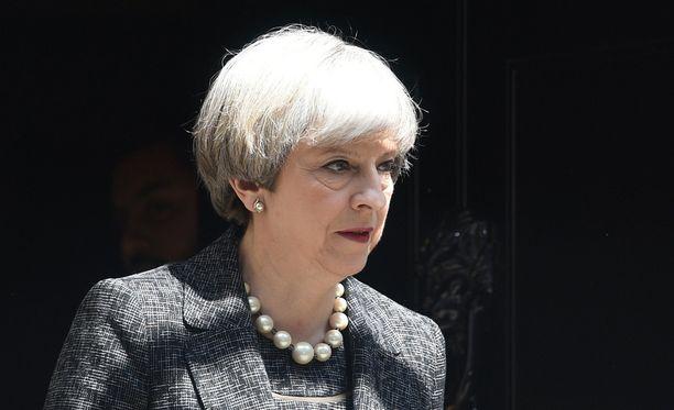Britannian pääministeri Theresa May aikoo nostaa tietovuodon esille.