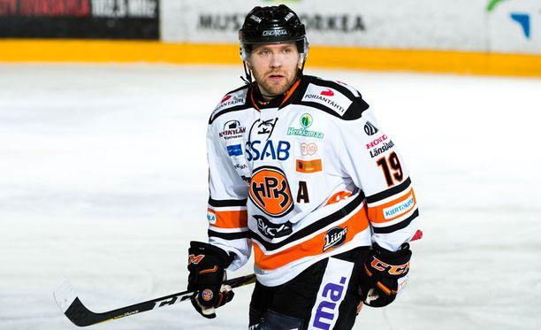 Juho Keränen sai JYP-HPK-ottelussa erikoisen jäähyn.