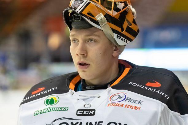 Emil Larmi siirtyy ensi kaudeksi Kärppiin.