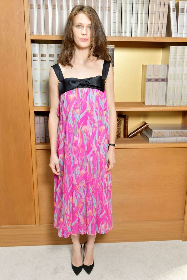 Ranskalainen näyttelijä ja malli Marine Vacth olisi kelvannut Chanelin mekossaan myös näytöslavalle.