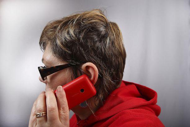 Puhelinpalveluissa on välillä jonotettava pitkiä aikoja.