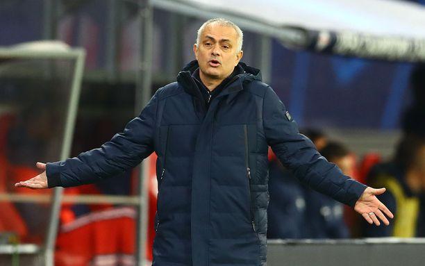 José Mourinho on mukana koronaviruksen vastaisessa taistelussa.
