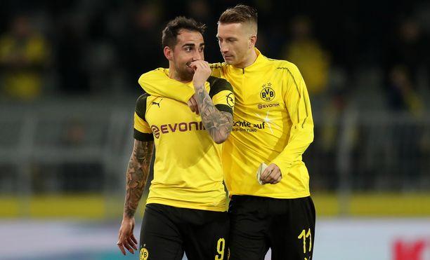 Hirmuvireisen Paco Alcacerin (vasemmalla) ja Marco Reusin Dortmund nuiji Freiburgin.