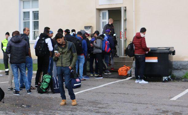 Tornioon on saapunut tänä syksynä paljon turvapaikanhakijoita.