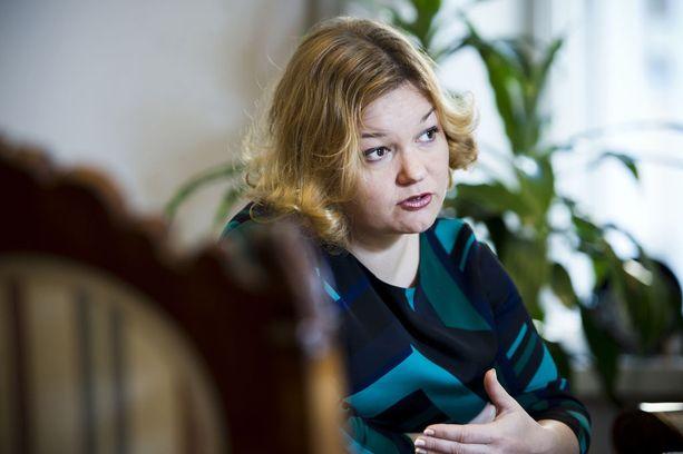 Eduskunnan sosiaali- ja terveysvaliokunnan puheenjohtajasta, demarien Krista Kiurusta tehtiin kantelu puhemiesneuvostolle.
