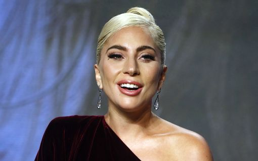"""Lady Gaga kertoo syövänsä psykoosilääkkeitä: """"En pysty hallitsemaan, mitä aivoni tekevät"""""""