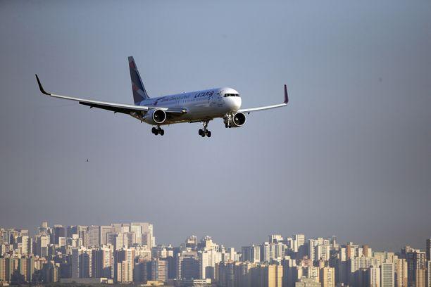 LATAM-yhtiön kone toi olympiatulen Rio de Janeiroon vuonna 2016.