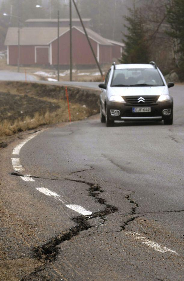 Länsi-Suomi muutama vuosi sitten. Vähintään polkupyöräilijän painajainen.