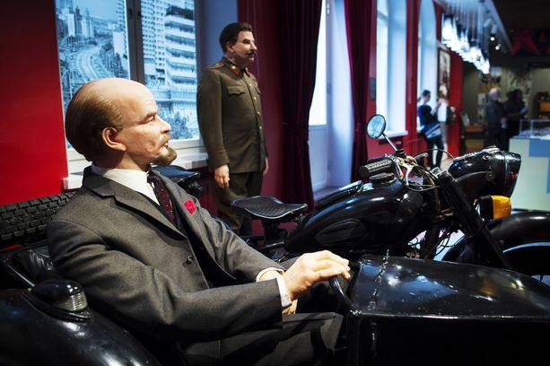 Tampereen Lenin-museosta löytyvät muun muassa Leninin ja Stalin luonnollisen kokoiset näköisnuket.