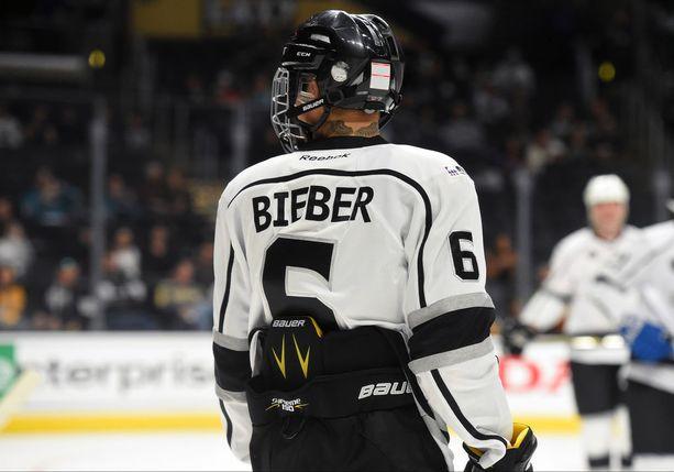 Justin Bieber pelasi numerolla kuusi.