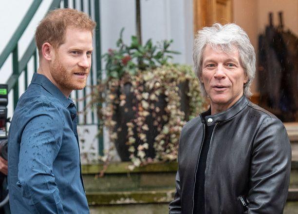 Prinssi Harry ja Jon Bon Jovi tekivät yhdessä hyväntekeväisyysprojektin.