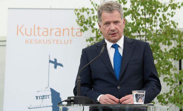 Presidentti Sauli Niinistö avasi Kultaranta-keskustelut sunnuntaina.