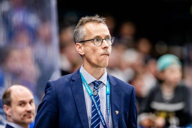 Pasi Mustonen otti yhteen IIHF:n kisajärjestäjien kanssa viime keväänä.