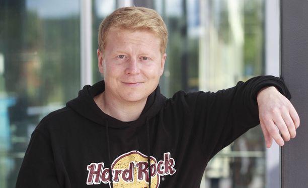 Tosi-tv-ohjelmista tuttu lappilaisyrittäjä Sampo Kaulanen menetti aseensa ja aselupansa kolmeksi kuukaudeksi. Tutkinta on vielä kesken.