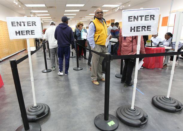 Joidenkin amerikkalaisten äänestäminen saattaa kaatua käytännön esteisiin.