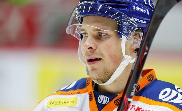 Mikko Lehtonen rankaisi Ilvestä kahdesti.