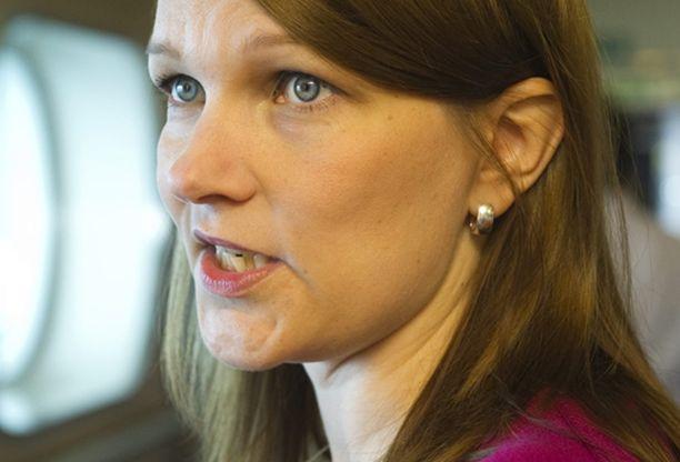 Pääministeri Mari Kiviniemi kommentoi homokohua tiistaina.