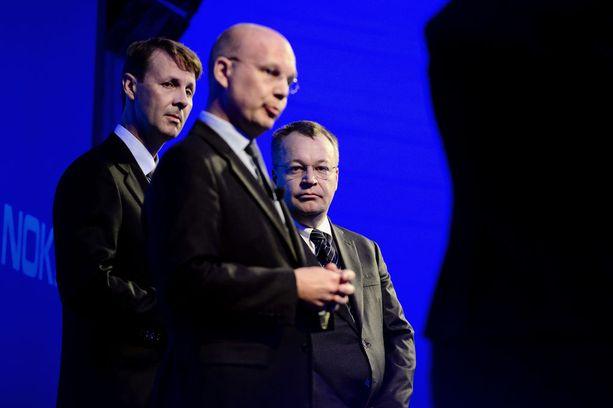 Risto Siilasmaa, Timo Ihamuotila ja Stephen Elop kertoivat syyskuussa 2013 Nokian matkapuhelintoimintojen myynnistä Elopin entiselle työnantajalle Microsoftille.