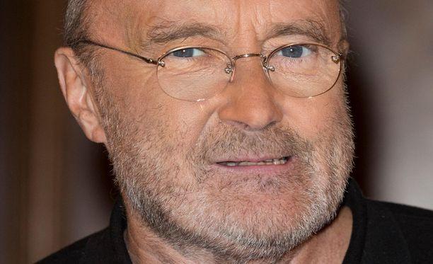 Phil Collinsin yöllinen vessareissu päätyi ambulanssiin.