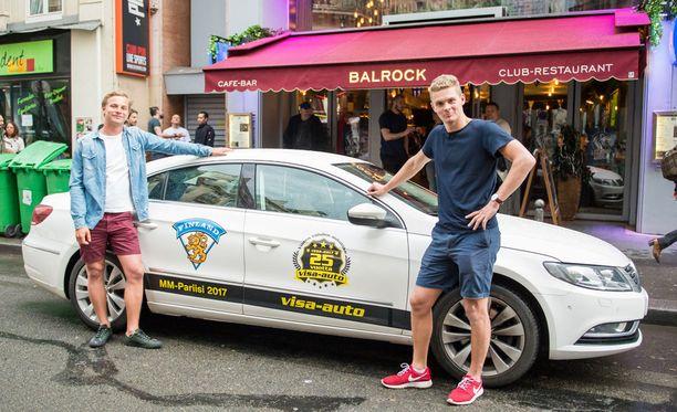 Turkulaiset Kasperi ja Aku Kantonen voittivat autoliikkeen kilpailun ja ajoivat Raisiosta Pariisiin 2 200 kilometriä.
