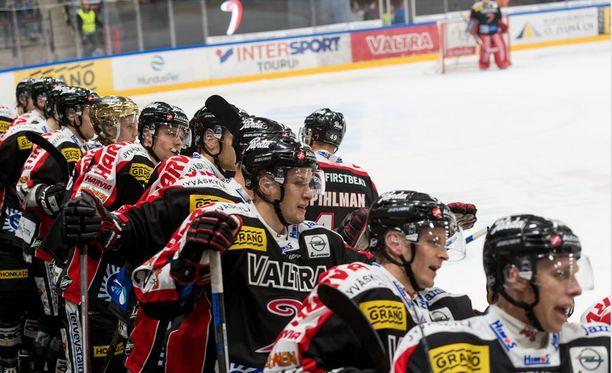 JYP päihitti Skellefteån 4-0.