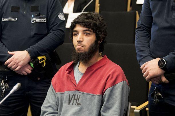 Turun puukotusiskusta syytetyn Abderrahman Bouananen oikeudenkäynti alkoi tänään Turussa Saramäen vankilassa.