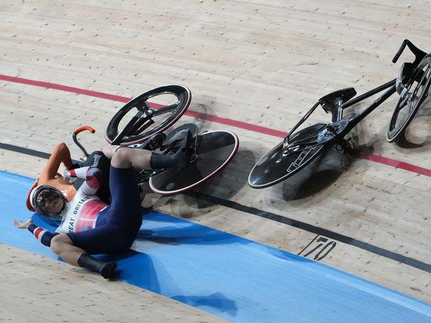 Katy Marchant ja Laurine Van Riessen kolaroivat rajusti.