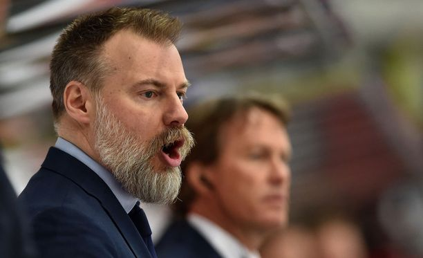 Rikard Grönborg saa osakseen kovaa kritiikkiä Ruotsissa.