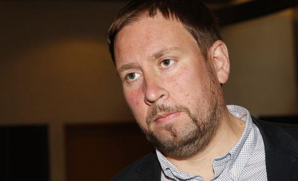 Paavo Arhinmäki jätti maanantaina kirjallisen kysymyksen Carunan hinnankorotuksista.