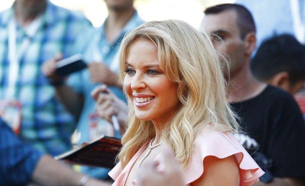 Kylie Minogue kärsi hermoromahduksen viimeisimmän eronsa jälkeen.