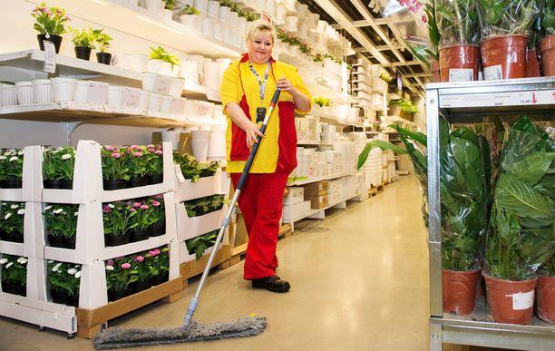 Minna Pilli kertoo, että kuntokin kasvaa työssä.
