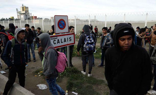 Viranomaiset hajottivat Calais'n pahamaineisen pakolaisleirin lokakuun lopussa.