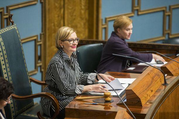 Eduskunnan puhemies Paula Risikko (kok) sai johtaa perjantain täysistunnon loppuosan tyhjälle salille. Kaikki päiväjärjestyksen kohdat käytiin kuitenkin läpi. Arkistokuva.