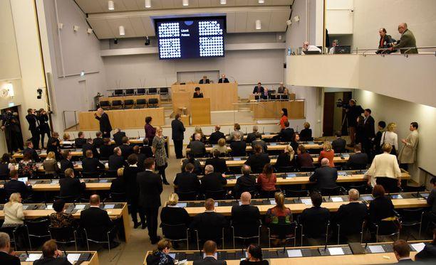 Eduskunta käsittelee tänään hallituksen esitystä laiksi arvo-osuusjärjestelmästä.
