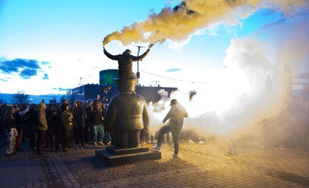Oulun torilla juhlittiin Oulun Kärppien SM-kultaa huhtikuun lopussa.