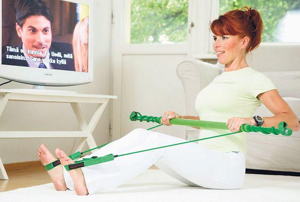 Soutuliike vahvistaa muun muassa selkälihaksia.