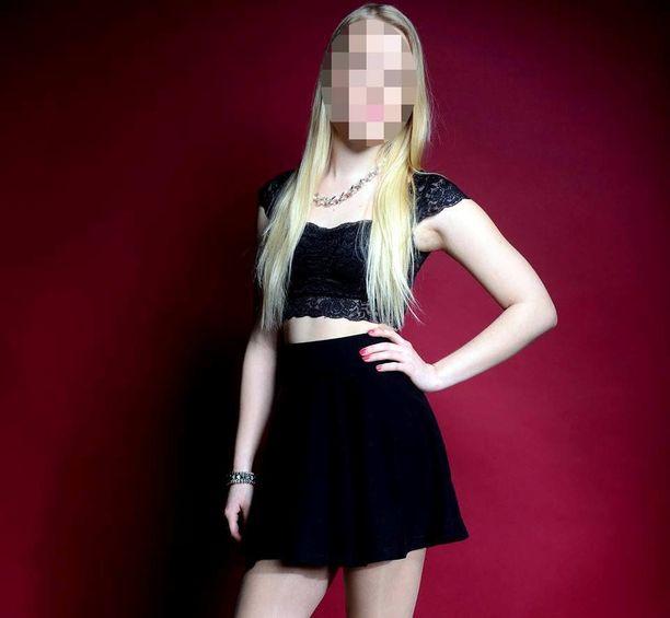 Lomalla ollut 19-vuotias nainen sai surmansa maanantaina aamuyöllä pudottuaan hotellin katolta Phuketissa Thaimaassa.