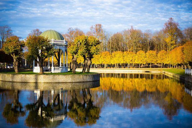 Ruskan värejä Kadriorgin puistossa.