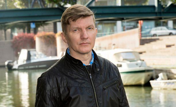 Tom-Kristian Heinäaho haluaa kertoa kokemastaan, jotta muut vastaanvanlaisten ongelmien kanssa kamppailevat saisivat tietää, että apua on saatavilla.