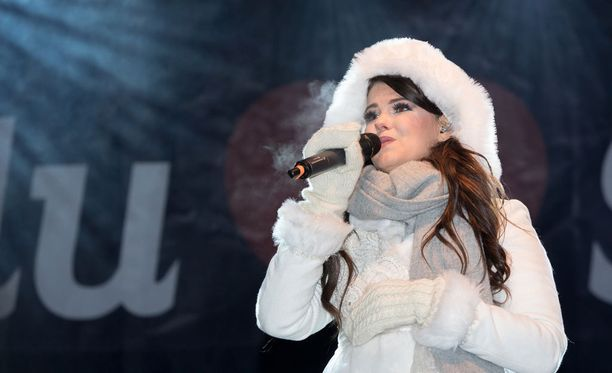 Saara Aalto hurmasi yleisöä kotikonnuillaan Oulussa.