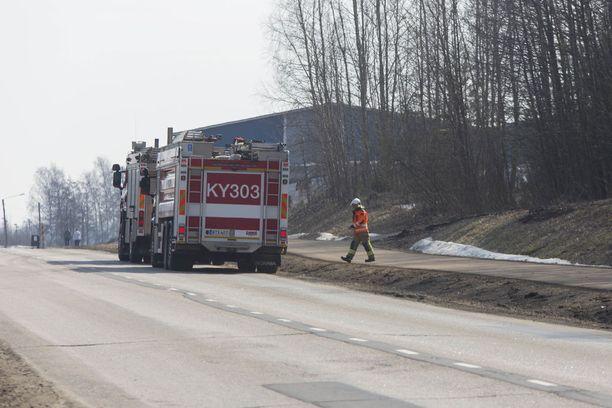 Kymenlaakson pelastuslaitos hälytettiin onnettomuuspaikalleHovinsaaren ratapihalle kello 13.18.