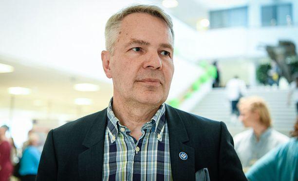 Pekka Haaviston Twitter-tilille ilmestyi yhtäkkiä lukuisia hämäriä seuraajia. Kampanjaväki otti asiasta yhteyttä myös Suojelupoliisiin.