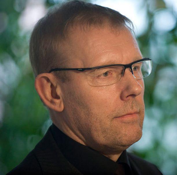 Pelaajayhdistyksen toiminnanjohtaja, Jääkiekkoilijoiden Koulutus- ja Ammatinedistämissäätiön asiamies Jarmo Saarela pitää rahastointia hyvänä systeeminä.