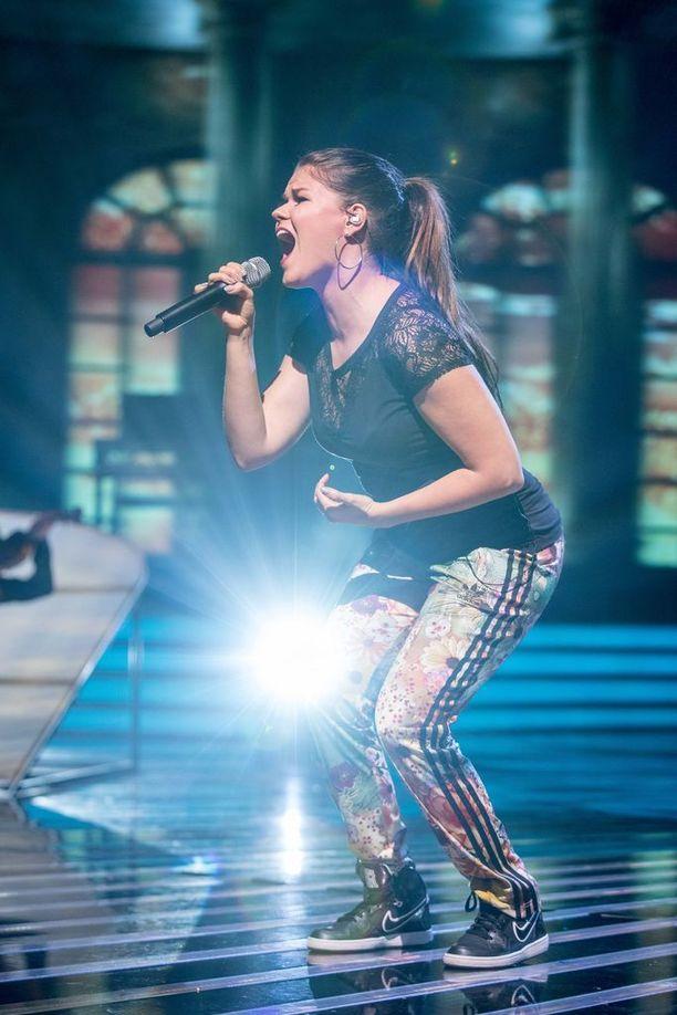 Saara Aalto esitti hienon dueton X Factorin finaalissa.