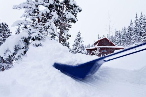 Tee lumikasat paikkoihin, joissa ne sulavat keväällä nopeammin - tarpeeksi kauas kuitenkin talosta!