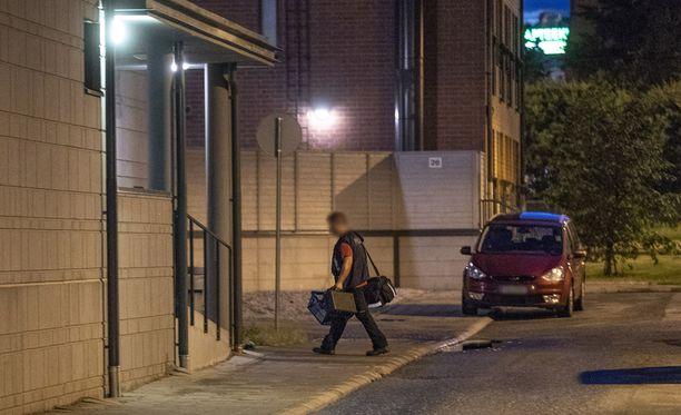Turussa ammuttiin myöhään lauantaina illalla muutama laukaus yksityisasunnossa. Poliisin mukaan henkilövahinkoja ei tapahtunut.