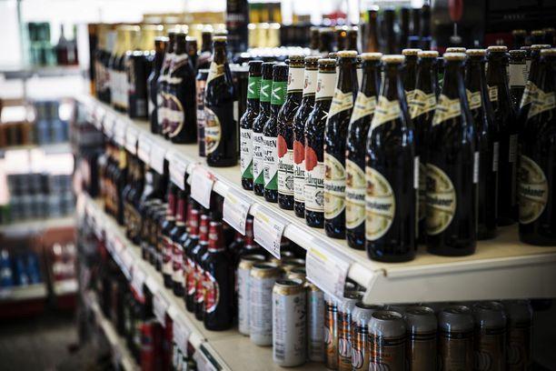 Alkoholituotteiden hinnat eivät ole laskeneet odotetusti.
